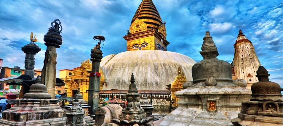 Drive Pokhara / Kathmandu (200 km / 6 hrs.)