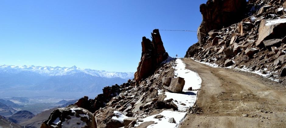 Leh: Khardungla Pass (85 Kms/1.5 Hrs)
