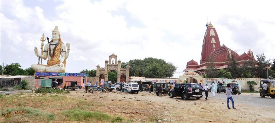 Dwarka: Visit Bet Dwarka, Nageshwar Mandir & Gomati Village