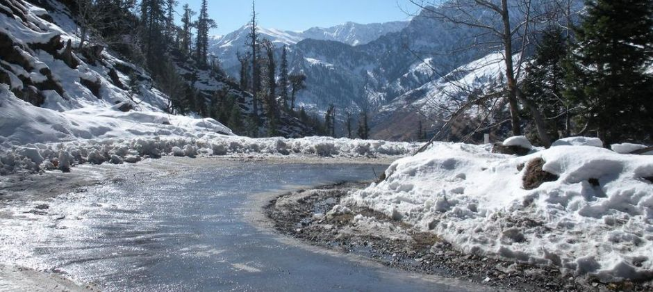 Manali: Excursion to Rohtang Pass/Snow Point (51 Kms / Approx. 2 Hour Drive)